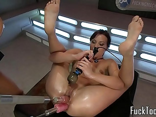 Pussy toying lesbian babes use dildo machine